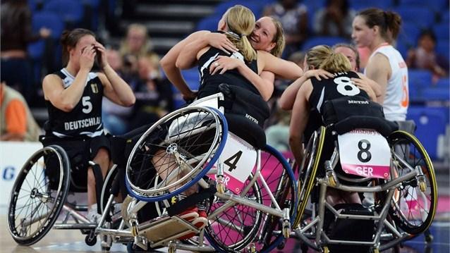 basket-carrozzina-femminile-paralimpiadi-2012