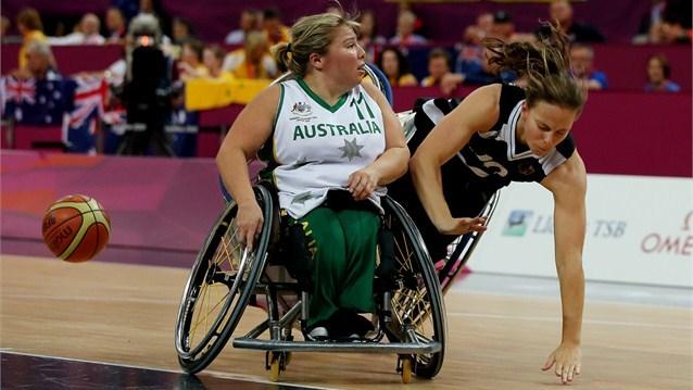 basket-in-carrozzina-femminile