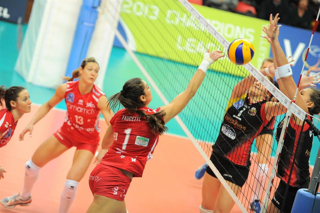 Busto_Yamamay_Champions_Volley